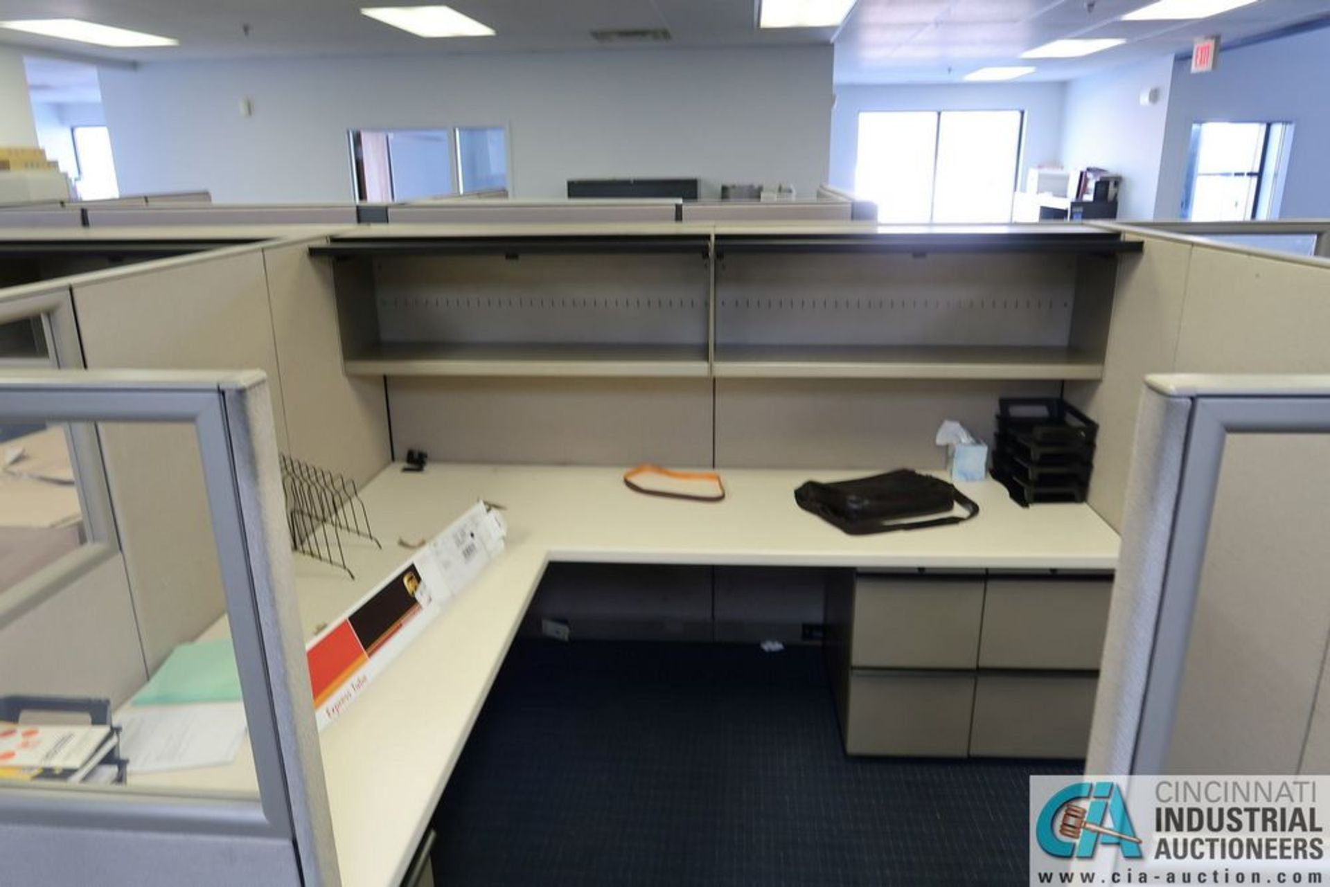 "(LOT) OFFICE CUBICLES, (2) 72"" X 72"", (2) 100"" X 92"", (2) 112"" X 96"", (1) 216"" X 72"" - Image 6 of 10"