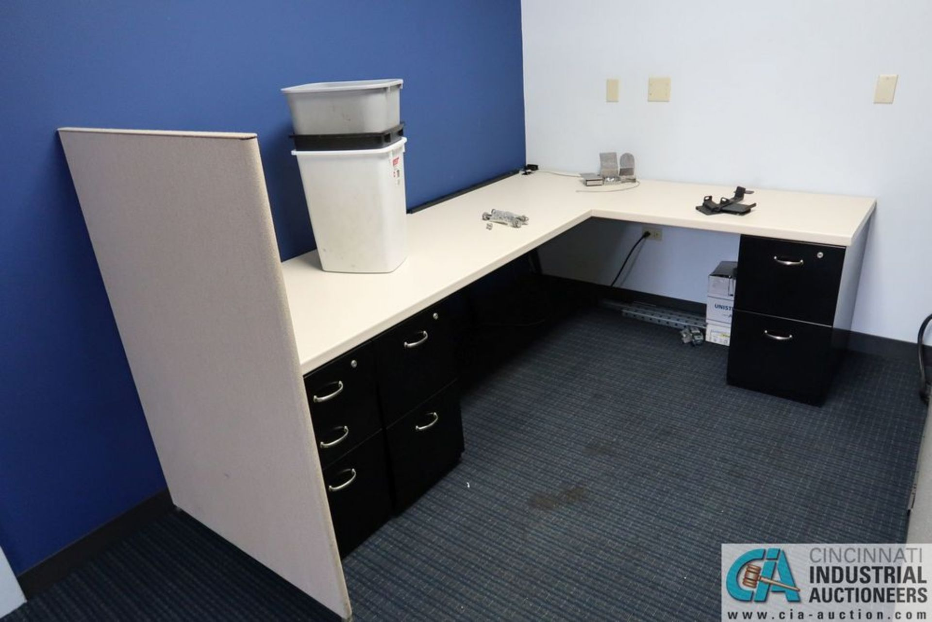 "(LOT) OFFICE CUBICLES, (2) 72"" X 72"", (2) 100"" X 92"", (2) 112"" X 96"", (1) 216"" X 72"" - Image 10 of 10"