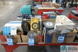 (LOT) MISCELLANEOUS GRINDING AND WIRE WHEELS WITH ABRASIVE SANDING BELTS