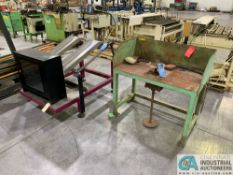 (LOT) ROTATING ASSEMBLY TABLE & DIAL CHUTE SORT TABLE