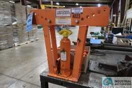 """12 TON CENTRAL HYDRAULIC PIPE BENDER, MAX BEND 90 DEGREE, PIPE DIAMETER RANGE 1/2"""" TO 2"""" WITH (6)"""