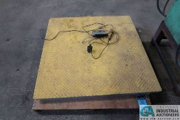1,000 CAPACITY SALTER BRECKNELL MODEL DCSB48&48 FLOOR SCALE; S/N 43327, WITH SALTER 200E READ OUT