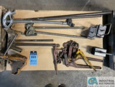 (LOT) (5) CONDUIT BANDERS AND (4) CHAIN BINDERS