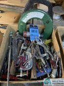 (LOT) ASSORTED HAND TOOLS