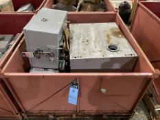 (LOT) 400-AMP SIEMENS SX404A10SPEC JUNTION BOX W/ (2) SLJC304000 DISCONNECT SWITCHES