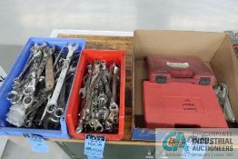 (LOT) MISCELLANEOUS STANDARD / METRIC COMBINATION WRENCHES WITH METRIC CROWFOOT WRENCHES AND SERVICE