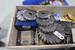 LOT ASSORTED MILLING CUTTERS ( MORE THAN 50 )