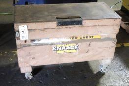 Knaack rolling job box