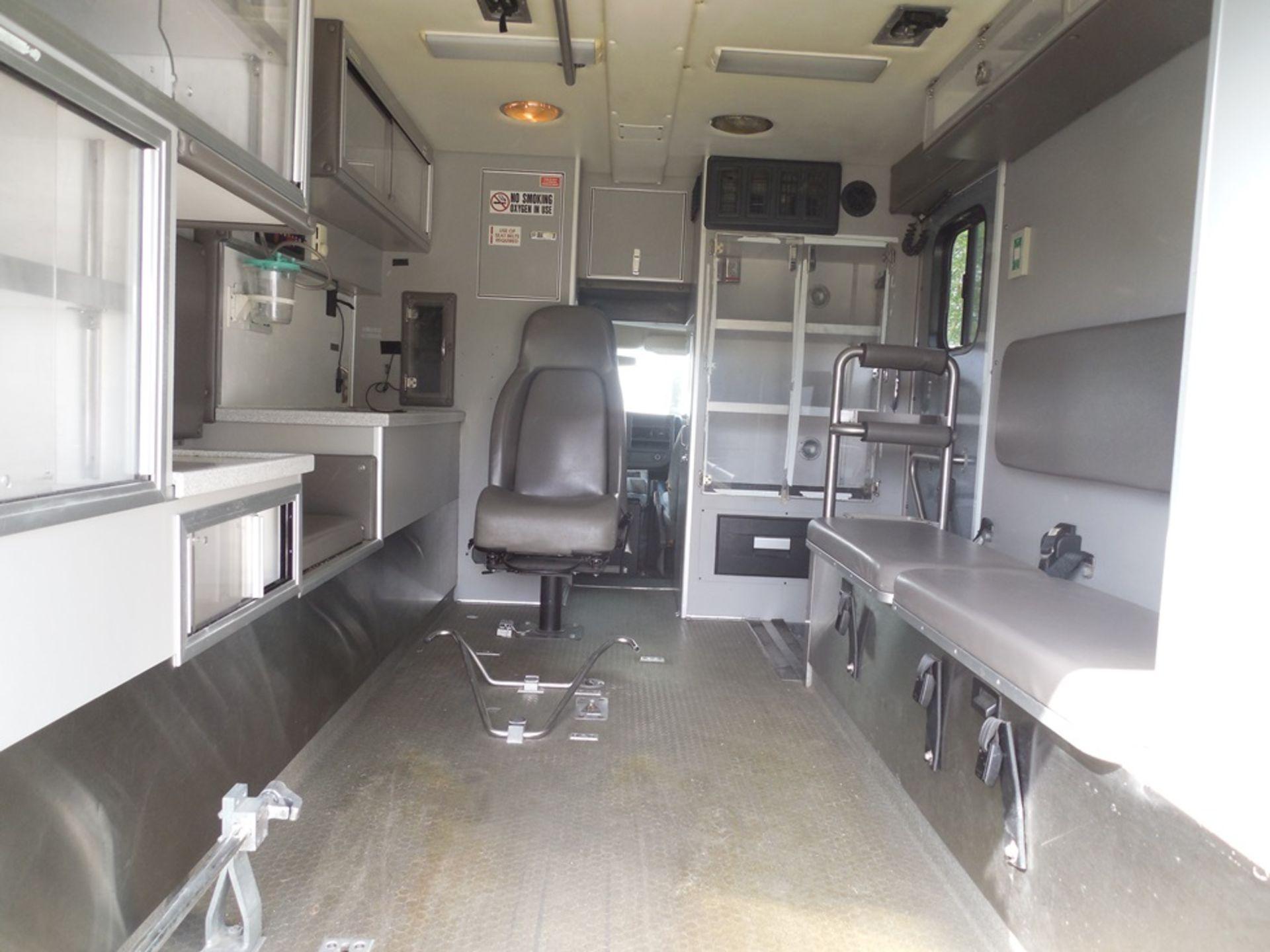 2010 Chev box van ambulance dsl, 250,597 miles, vin# 1GB9G5B65A1116120 - Image 6 of 6