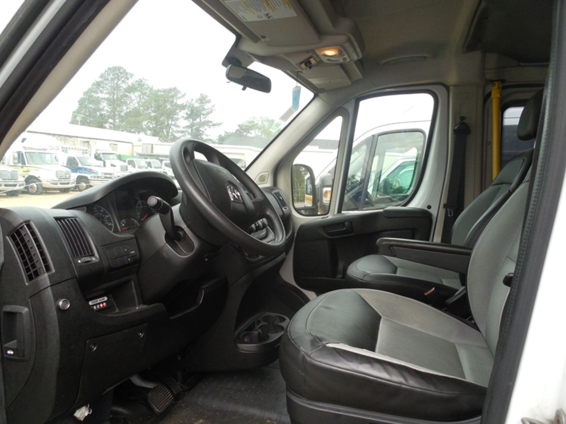 2014 Dodge Promaster wheel chair van - Image 5 of 6