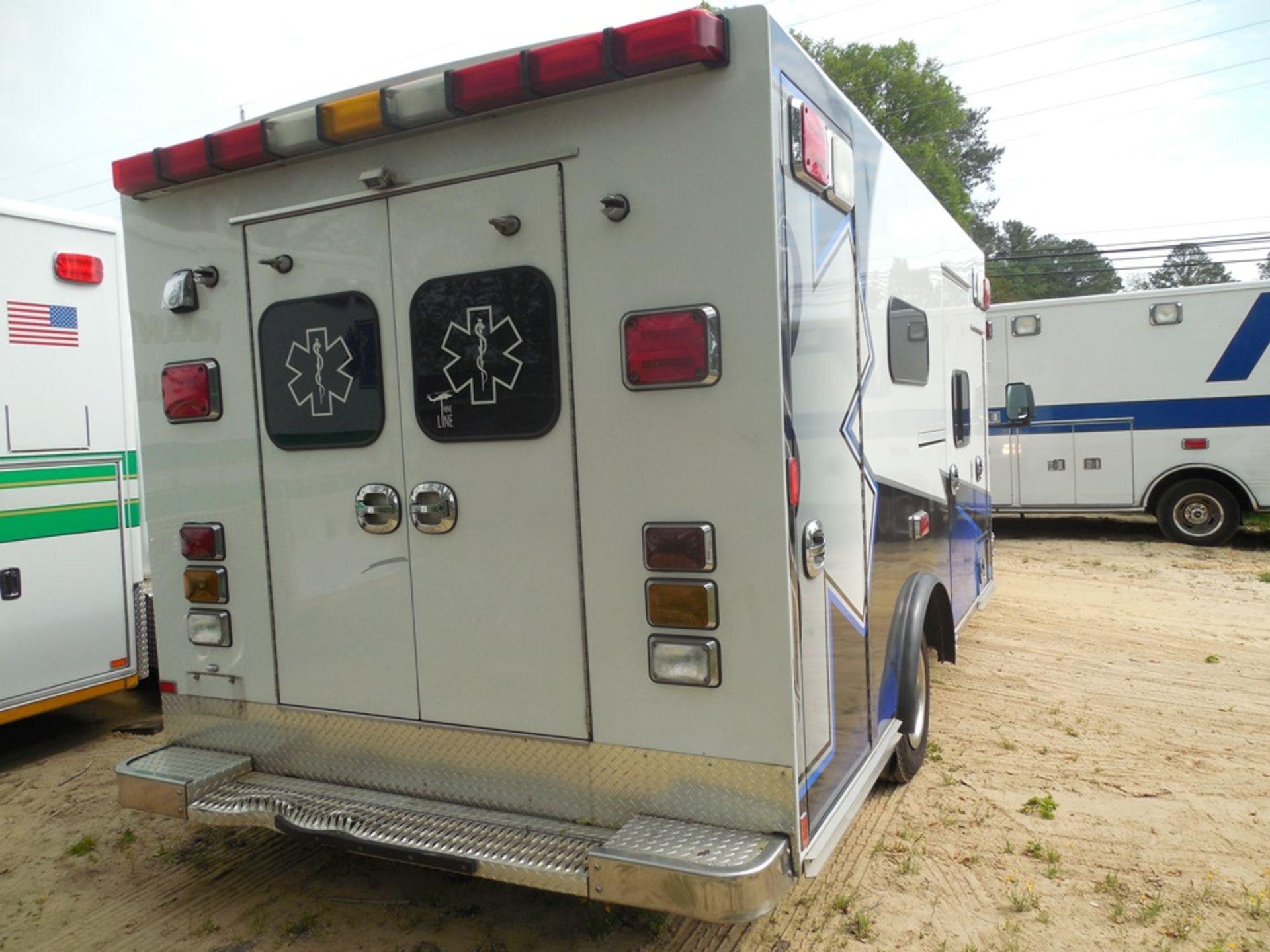 2011 Chev dsl. box ambulance Baun Body 202,680 miles vin# 1GB6G5CL5B1141656 - Image 4 of 6