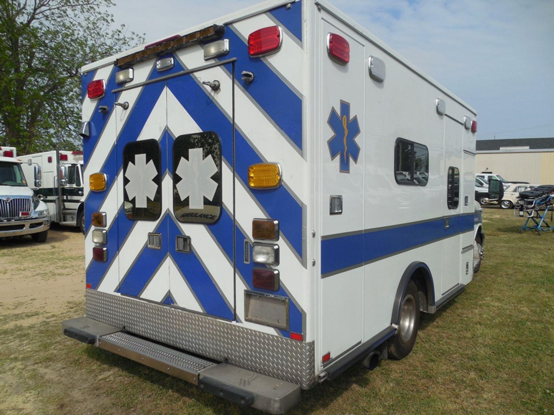2010 Chev 4500 dsl box ambulance 258,589 miles, vin# 1GB9G5B6XA1132748 - Image 4 of 6