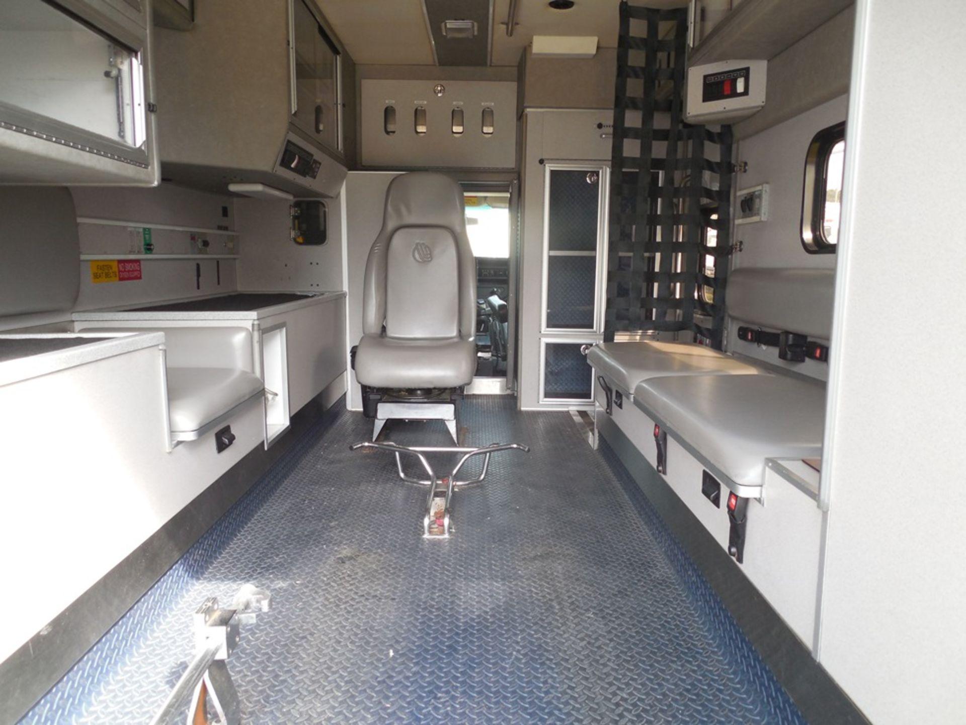 2010 Chev 4500 dsl box ambulance 258,589 miles, vin# 1GB9G5B6XA1132748 - Image 6 of 6