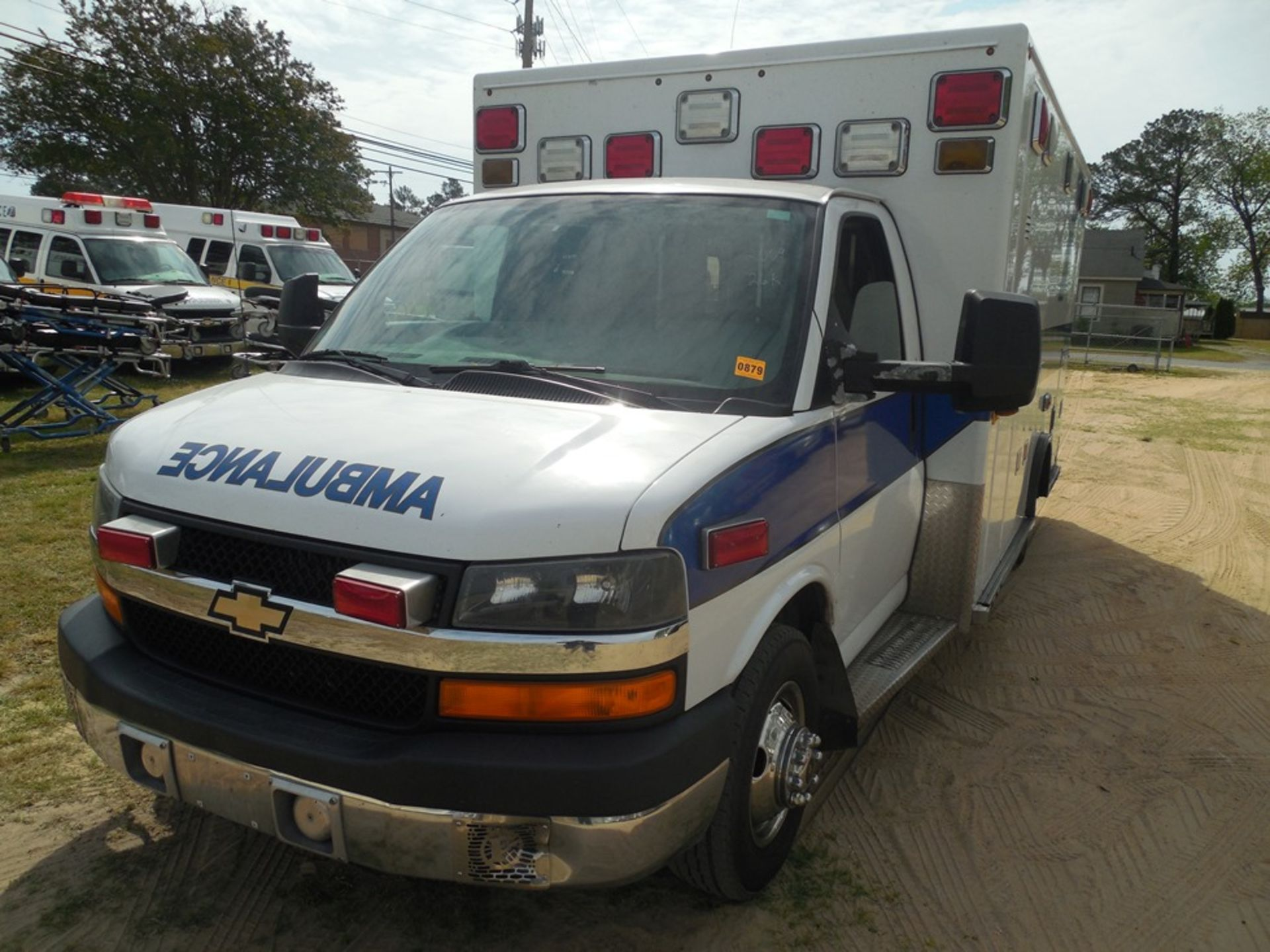 2009 Chev 4500 dsl, box ambulance 226,356 miles vin# 1GBKG316191158061 - Image 2 of 6