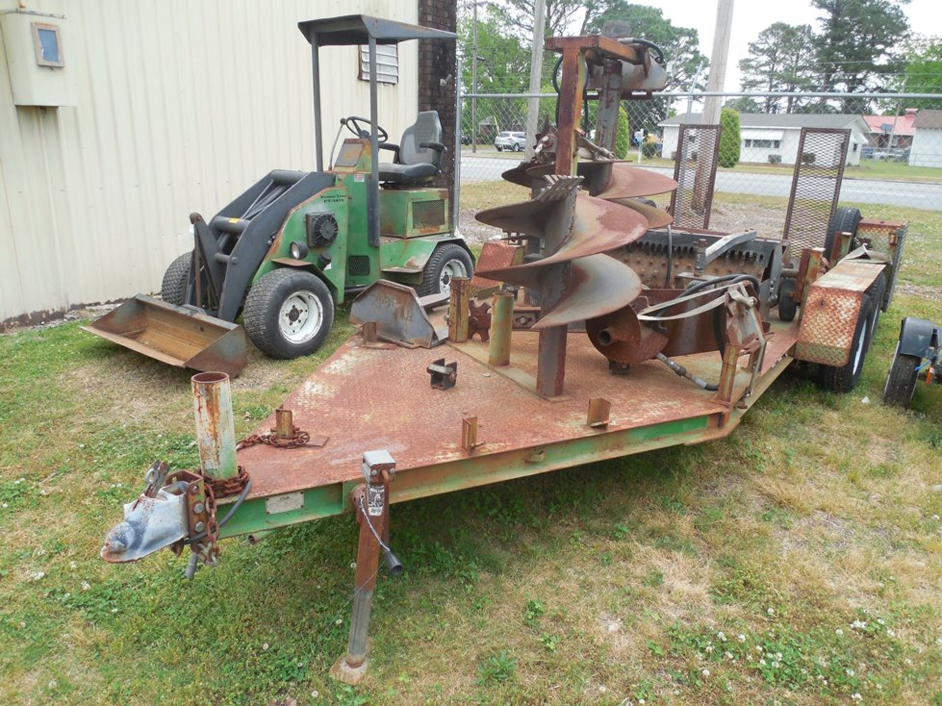Power Trac PT-2425 Mini Skid Steer ser# 18928 with trailer, power rake, tree spade, front bucket, - Image 8 of 13