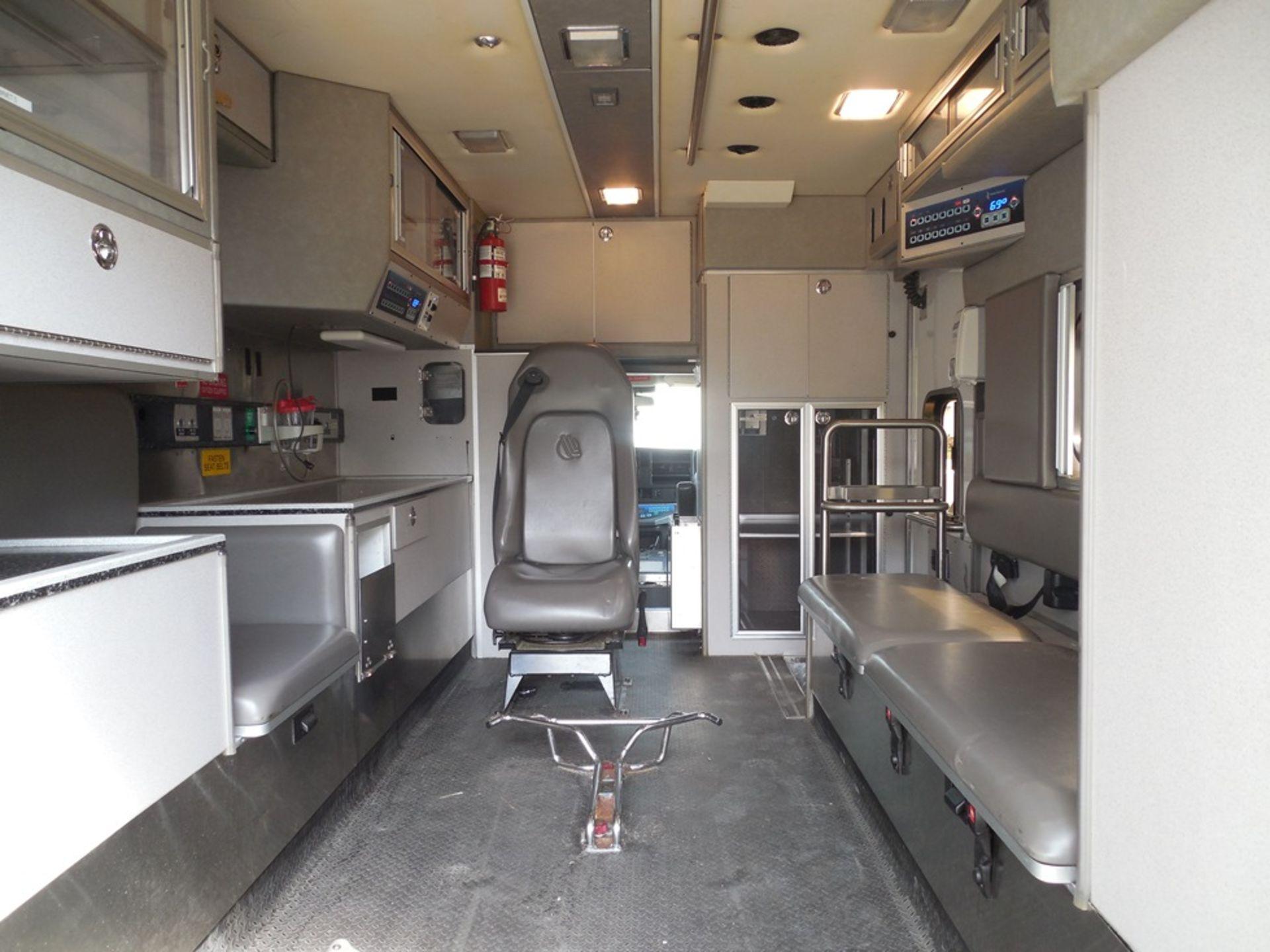 2009 Chev 4500 dsl, box ambulance 226,356 miles vin# 1GBKG316191158061 - Image 6 of 6