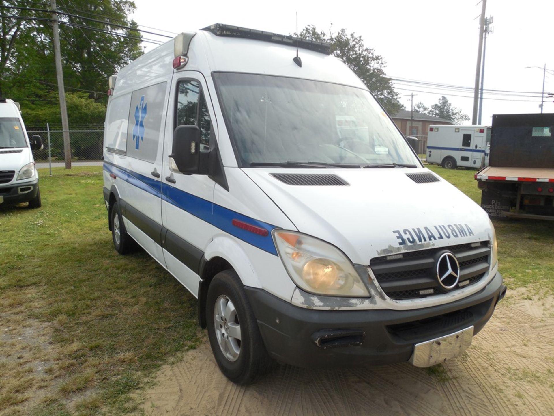 2010 Mercedes Sprinter dsl, ambulance 329,856 miles vin# WD3PE7CCXA5476270 - Image 3 of 6