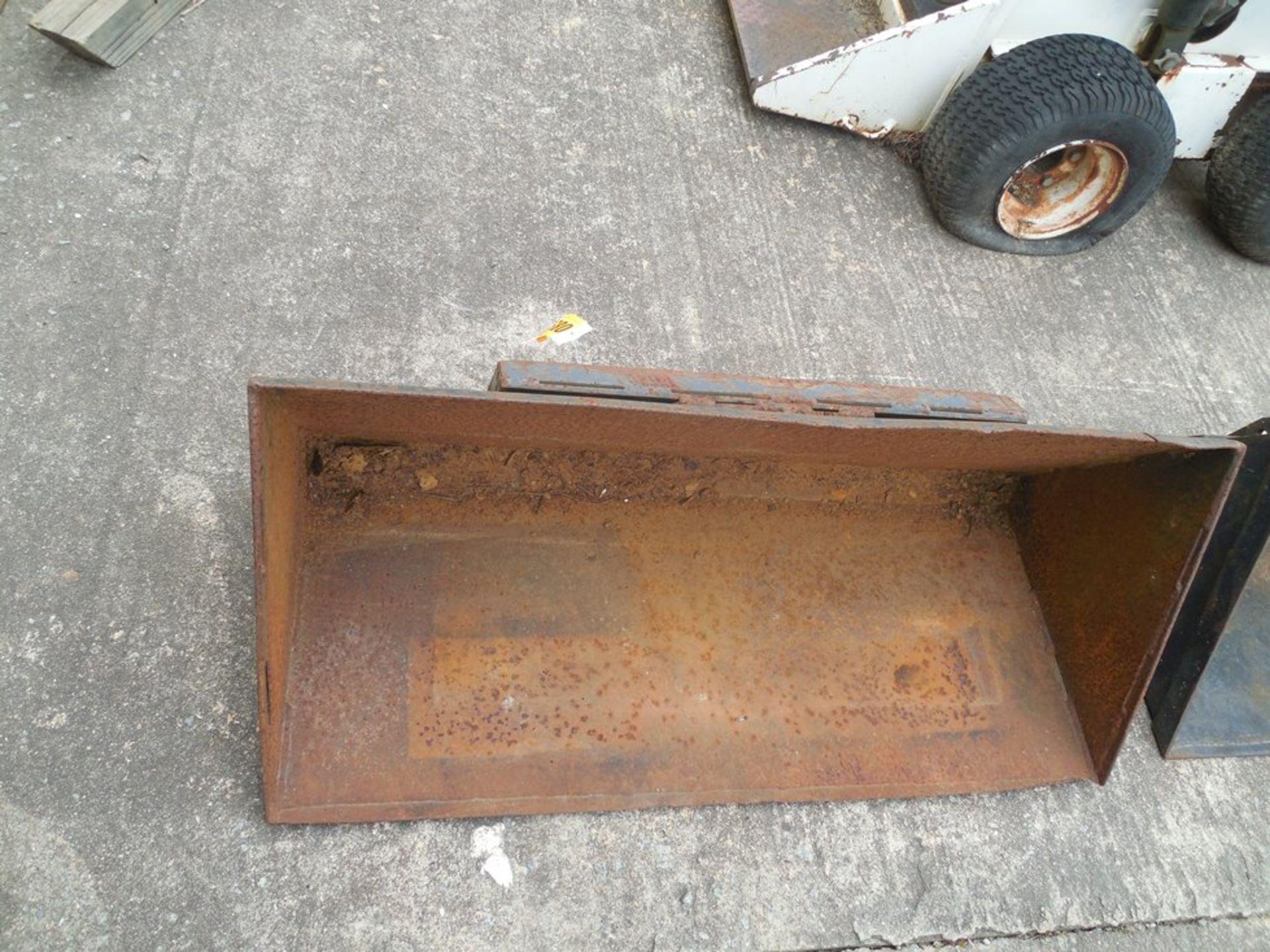 "Mini skid steer front bucket 42"" - Image 2 of 2"