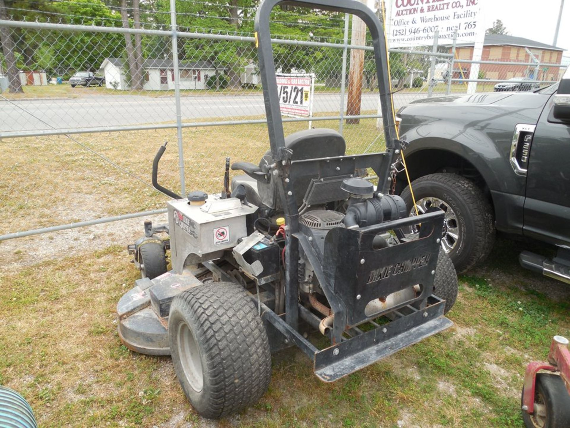 "Dixie Chopper 72"" zero-turn lawn mower Kohler engine 887 hrs showing - Image 4 of 4"