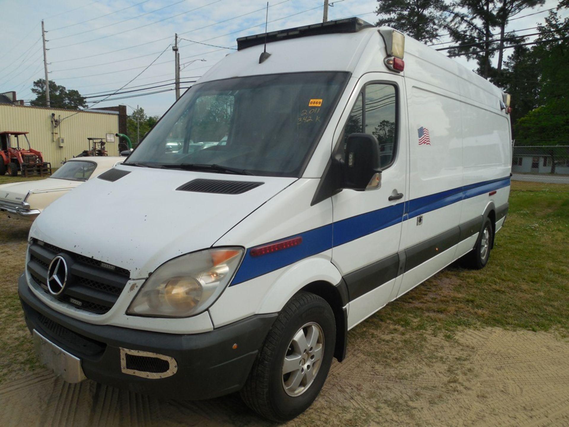 2011 Mercedes Sprinter dsl, ambulance 324,914 miles vin# WD3PE8CC6B5504105 - Image 2 of 6