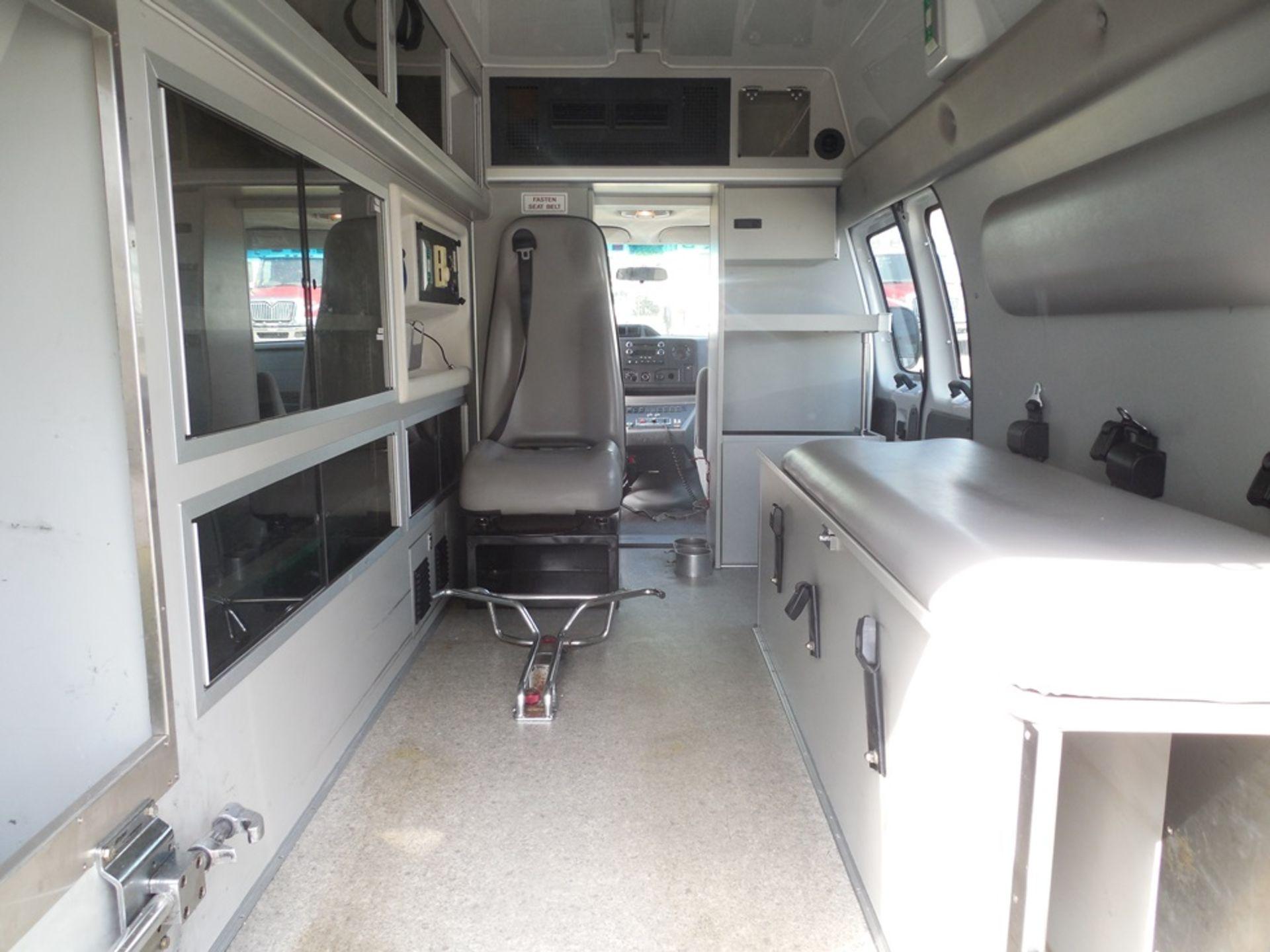 2010 Ford E350 Crusader Wheel Coach van ambulance 214,465 miles vin# 1FDSS3EP9ADA32493 - Image 6 of 6