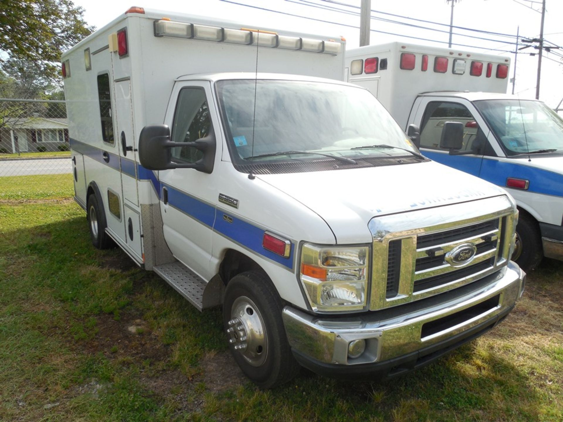 2010 Ford E350 Wheel Coach ambulance, dsl, 61,572 miles, vin# 1FDWE3FP2ADA14523 - Image 3 of 8