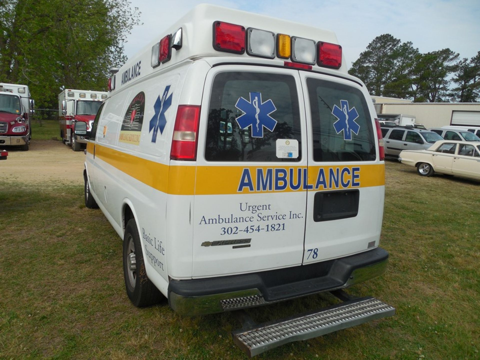 2014 Chev van ambulance dsl, 172,472 miles, vin# 1GBZGUC19E1162022 - Image 5 of 6