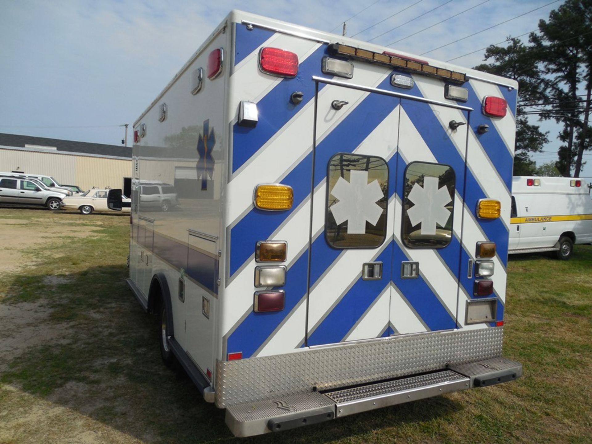2010 Chev 4500 dsl box ambulance 258,589 miles, vin# 1GB9G5B6XA1132748 - Image 5 of 6