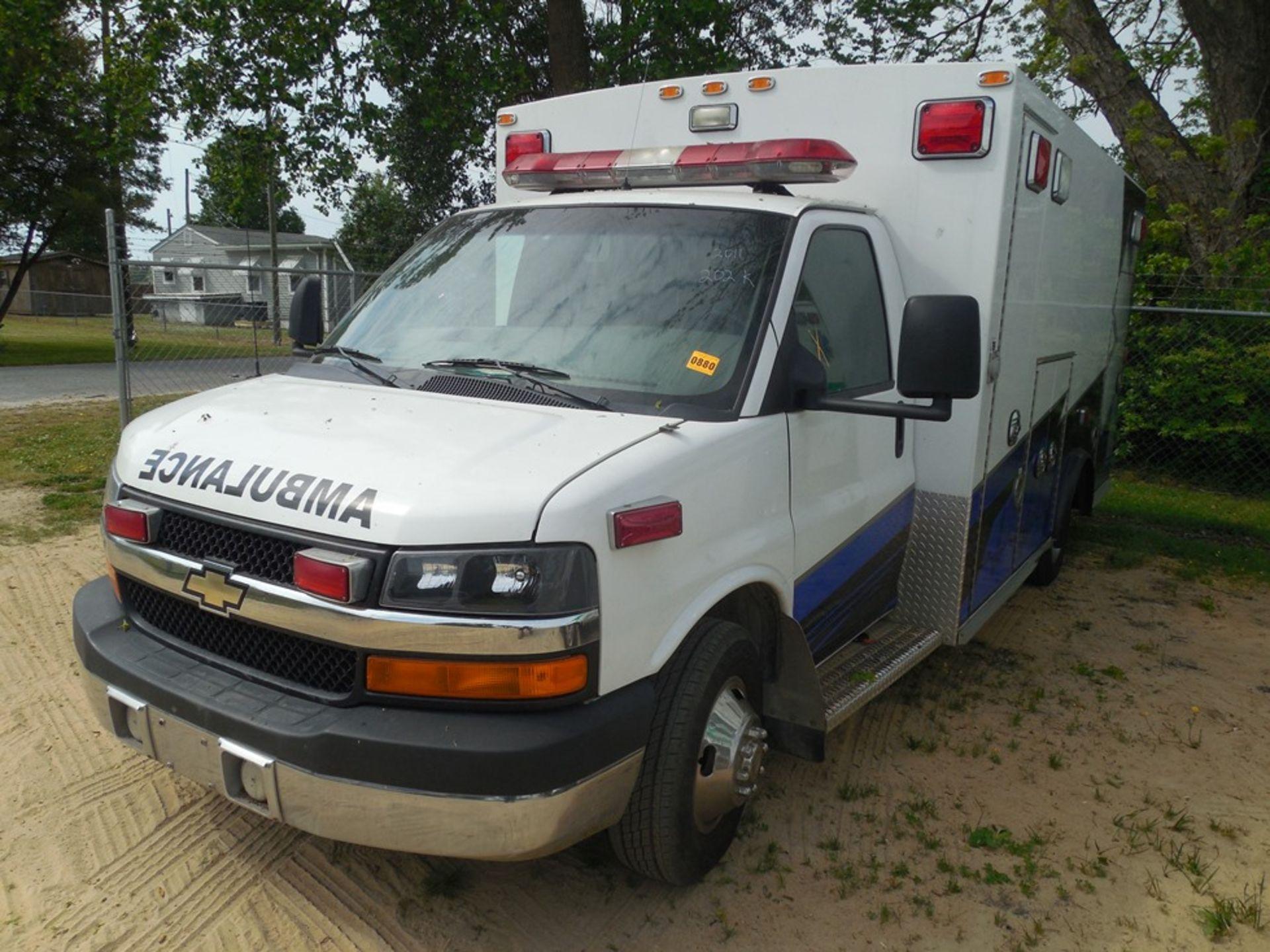2011 Chev dsl. box ambulance Baun Body 202,680 miles vin# 1GB6G5CL5B1141656 - Image 2 of 6