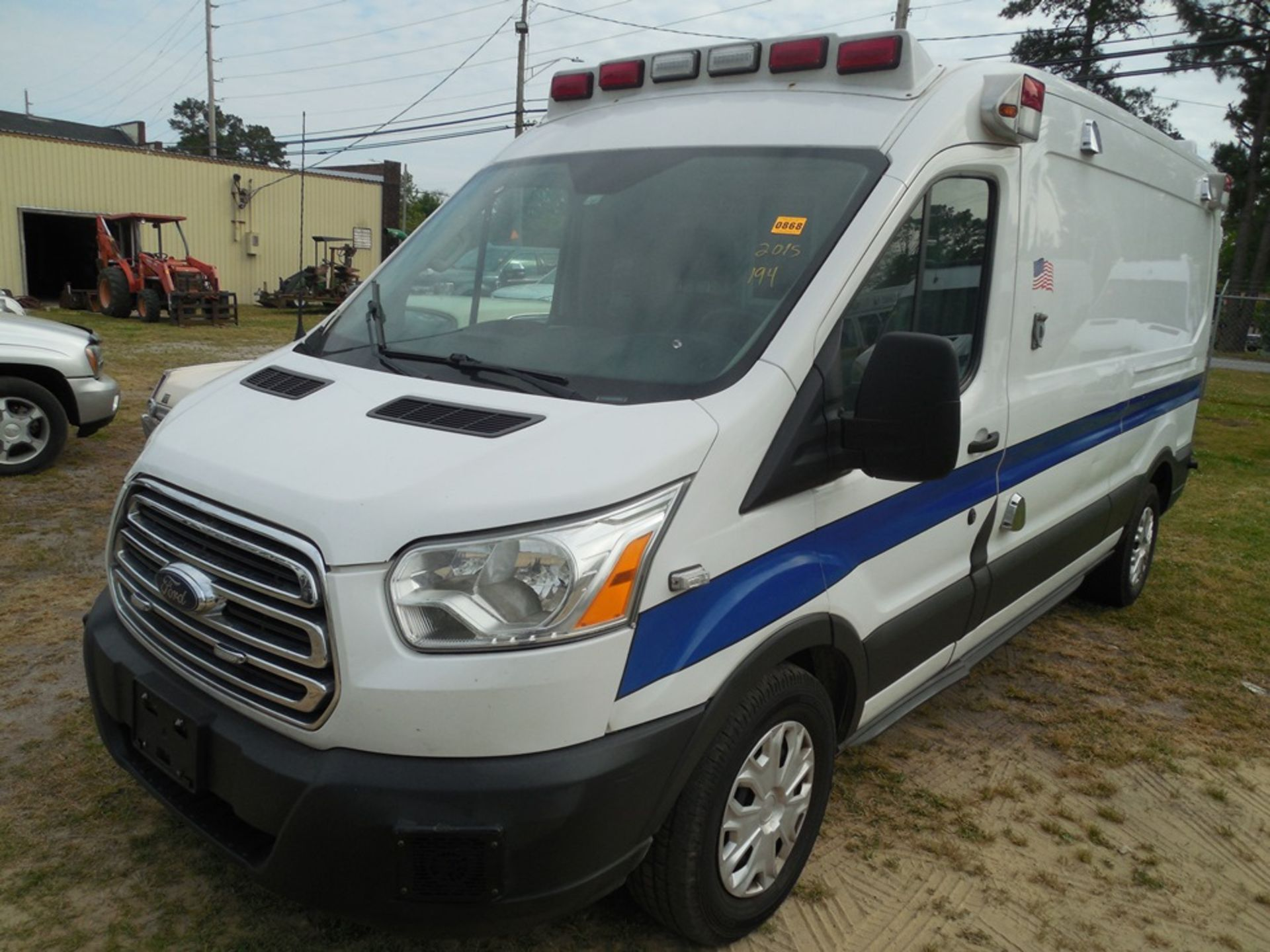 2015 Ford Tansit 250 dsl ambulance 194,312 miles vin# 1FDYR2CV5FKB33096 - Image 2 of 6