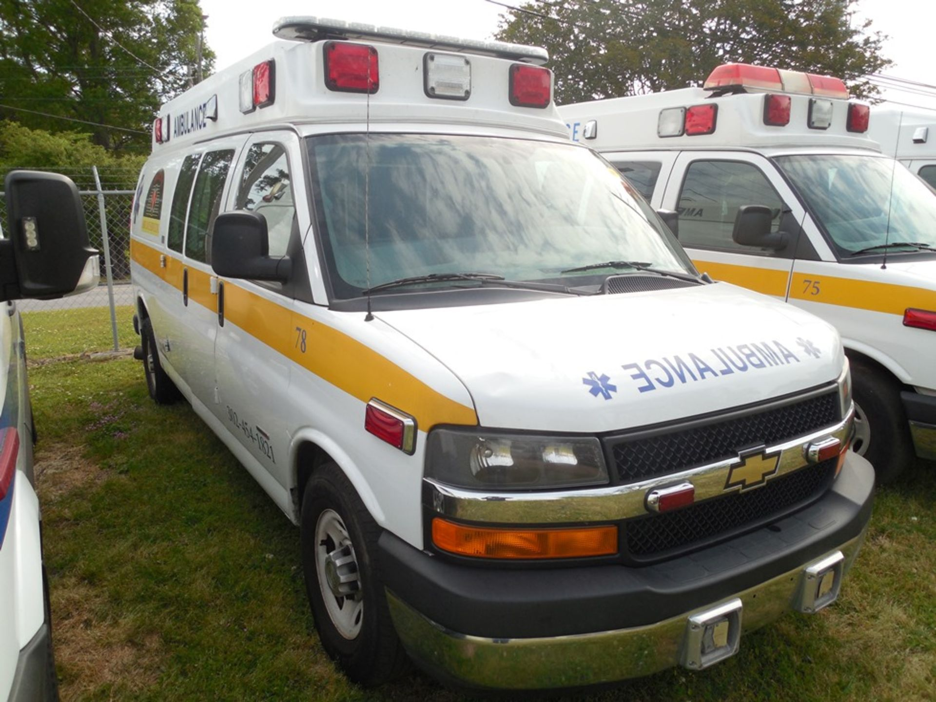 2014 Chev van ambulance dsl, 172,472 miles, vin# 1GBZGUC19E1162022 - Image 3 of 6