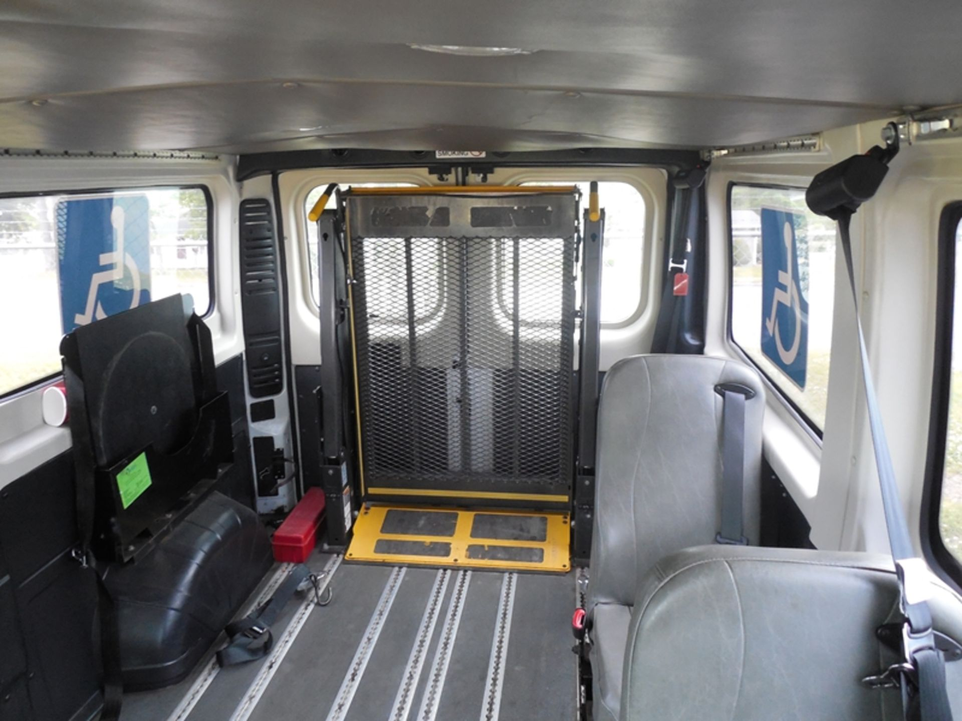 2014 Dodge Promaster wheel chair van - Image 6 of 6