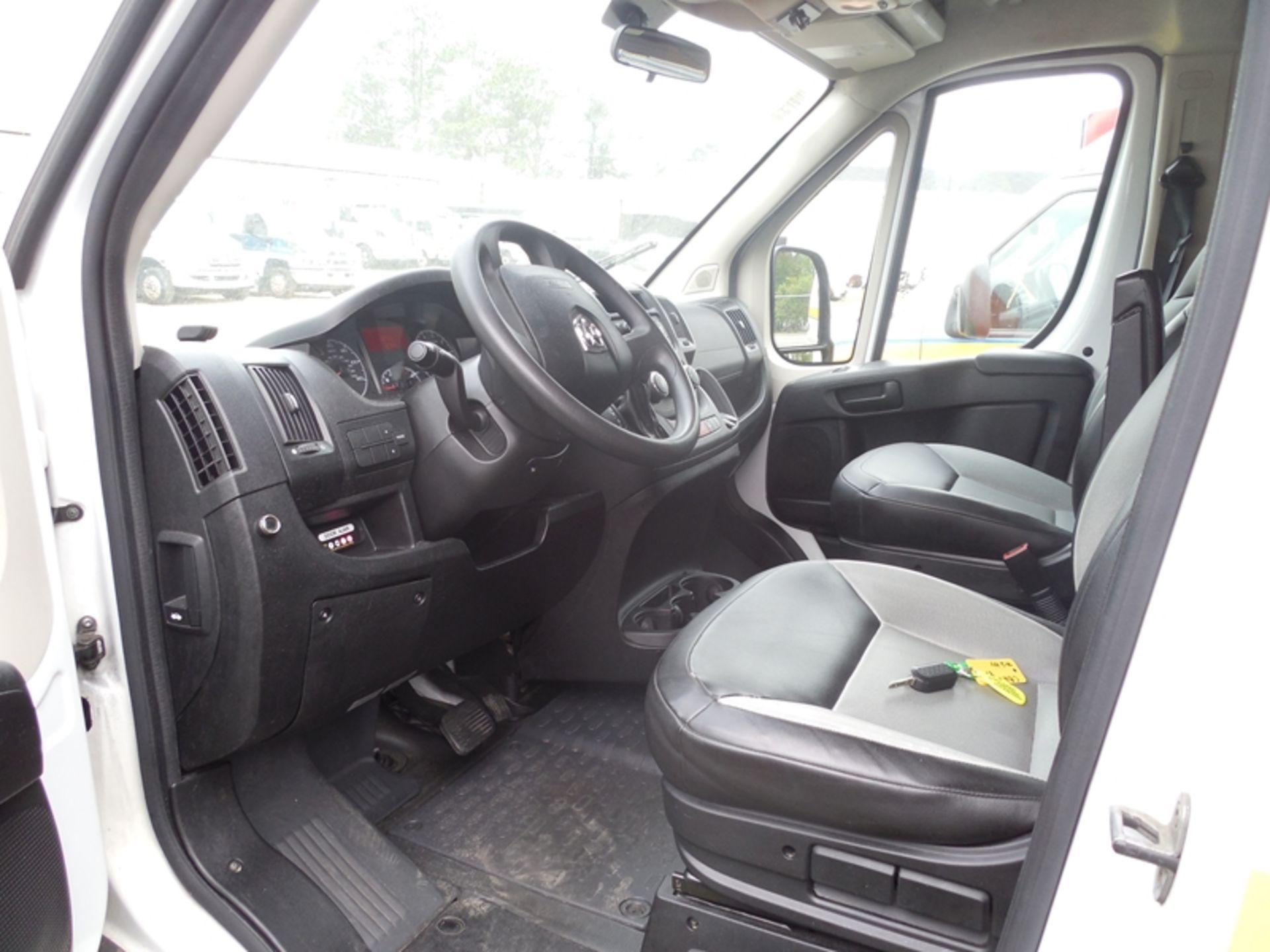 2014 Dodge Promaster wheel chair van - Image 5 of 6
