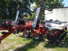 "WHITE/AGCO 8500 24 row 22"" planter model 85004500 ser# 08500L20040032"