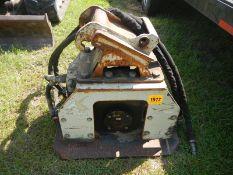OKADA OAC-200 hydraulic panel vibrator attachment