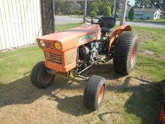 KUBOTA L185 tractor, diesel (hydraulic lift issues)