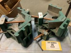 Right angle corner welding vise