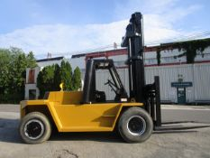 Caterpillar V250 25,000lb Forklift - Located in Lester, PA