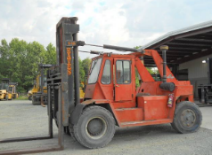 Eaves 30,500 lbs Forklift
