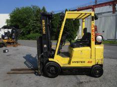Hyster S40XM 4,000 lb Forklift