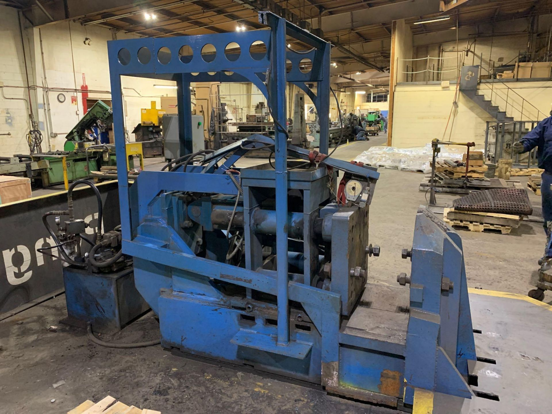 "Horizontal Hydraulic Bulldozer Press 24"" x 26"" Pattens approx 15"" stroke Mechanical Hand Pullbacks 2"