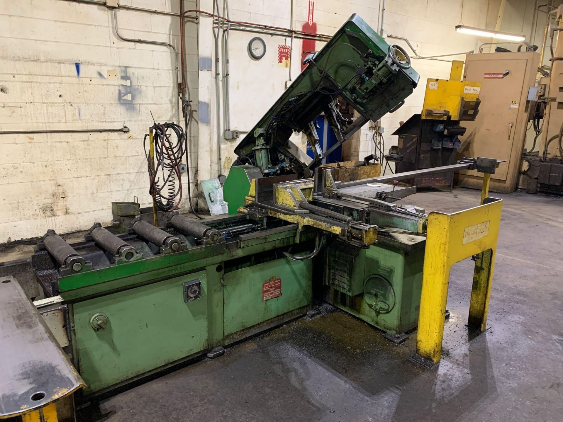 DoAllSemi-Automatic Horizontal Band Saw Model: C-1213a s/n: 412-84212 made in the usa capacity: rec - Image 5 of 16