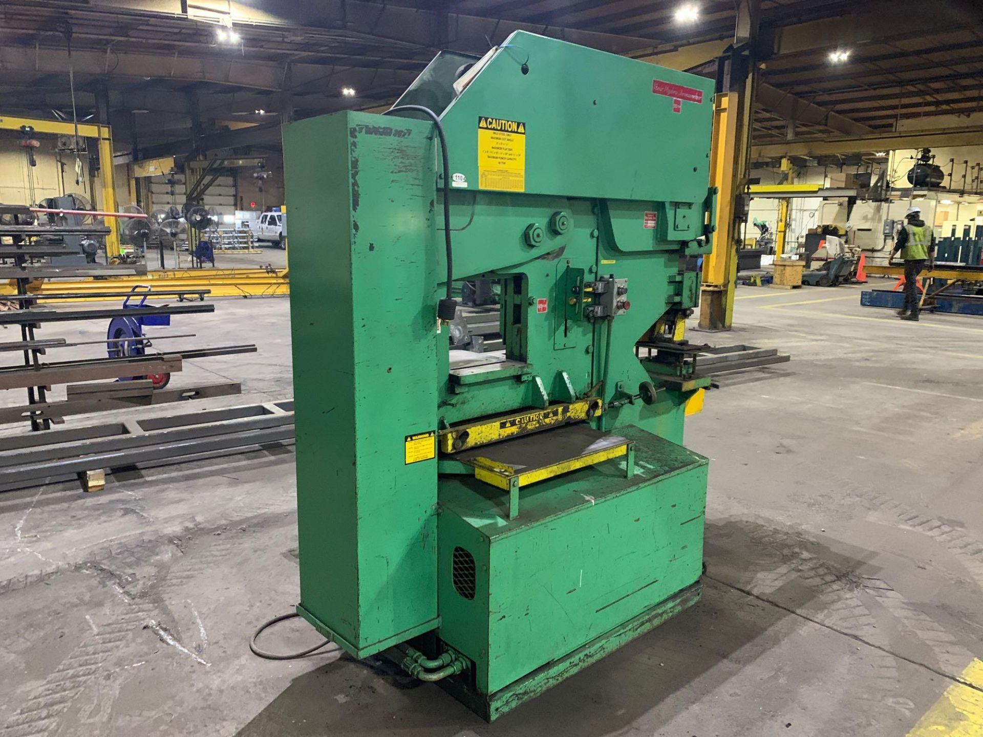 UNI-HYDRO 95-24 HYDRAULIC IRONWORKER Model: 95-24 Serial Number: 3P9560 Capacity: 95 Ton Punching Th - Image 3 of 18