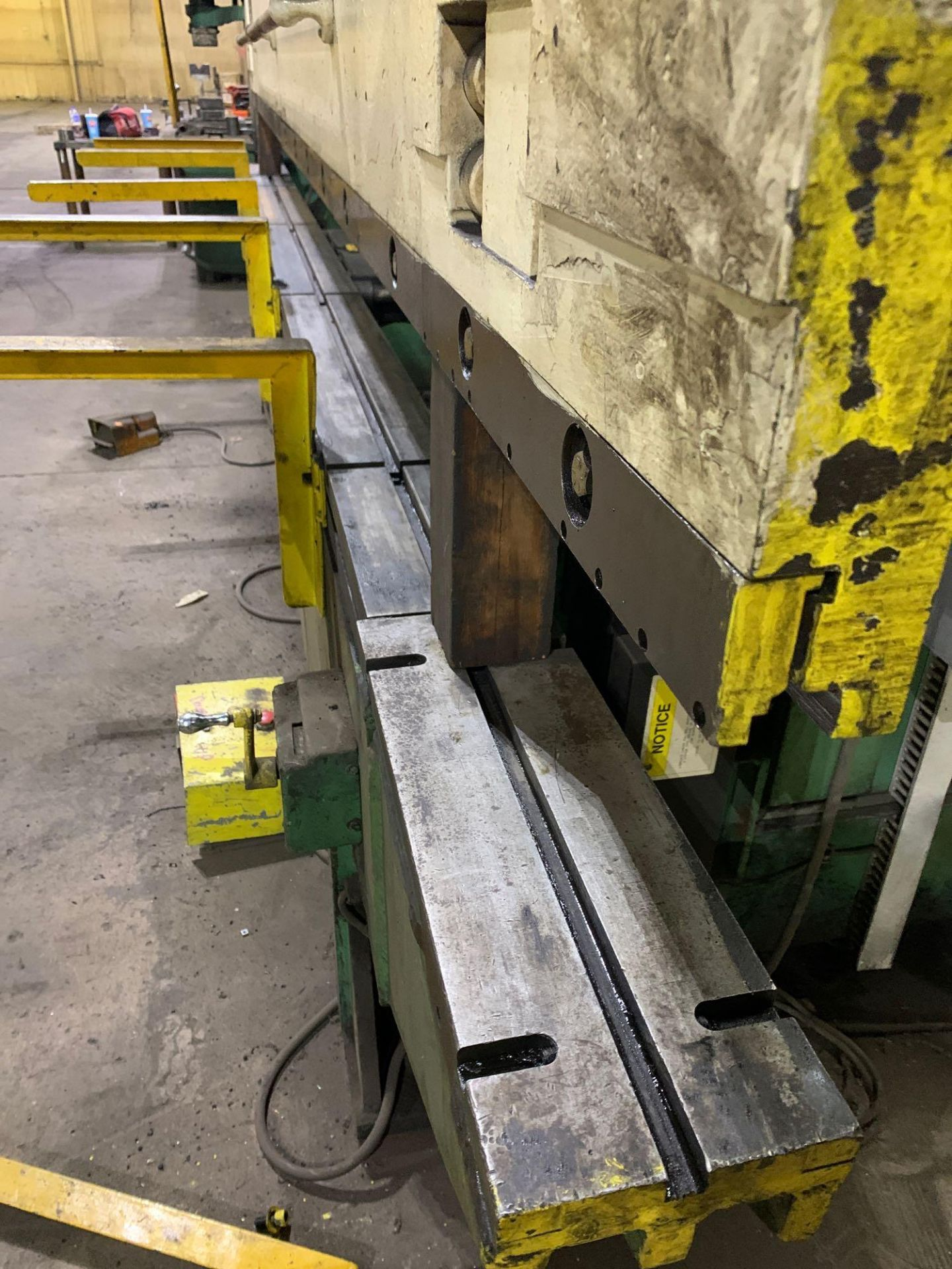 Chicago Dries & Krump Hydraulic Press Brake With: Hurco Autobend 7 Backgauge Control 200 Ton x 16' M - Image 15 of 41