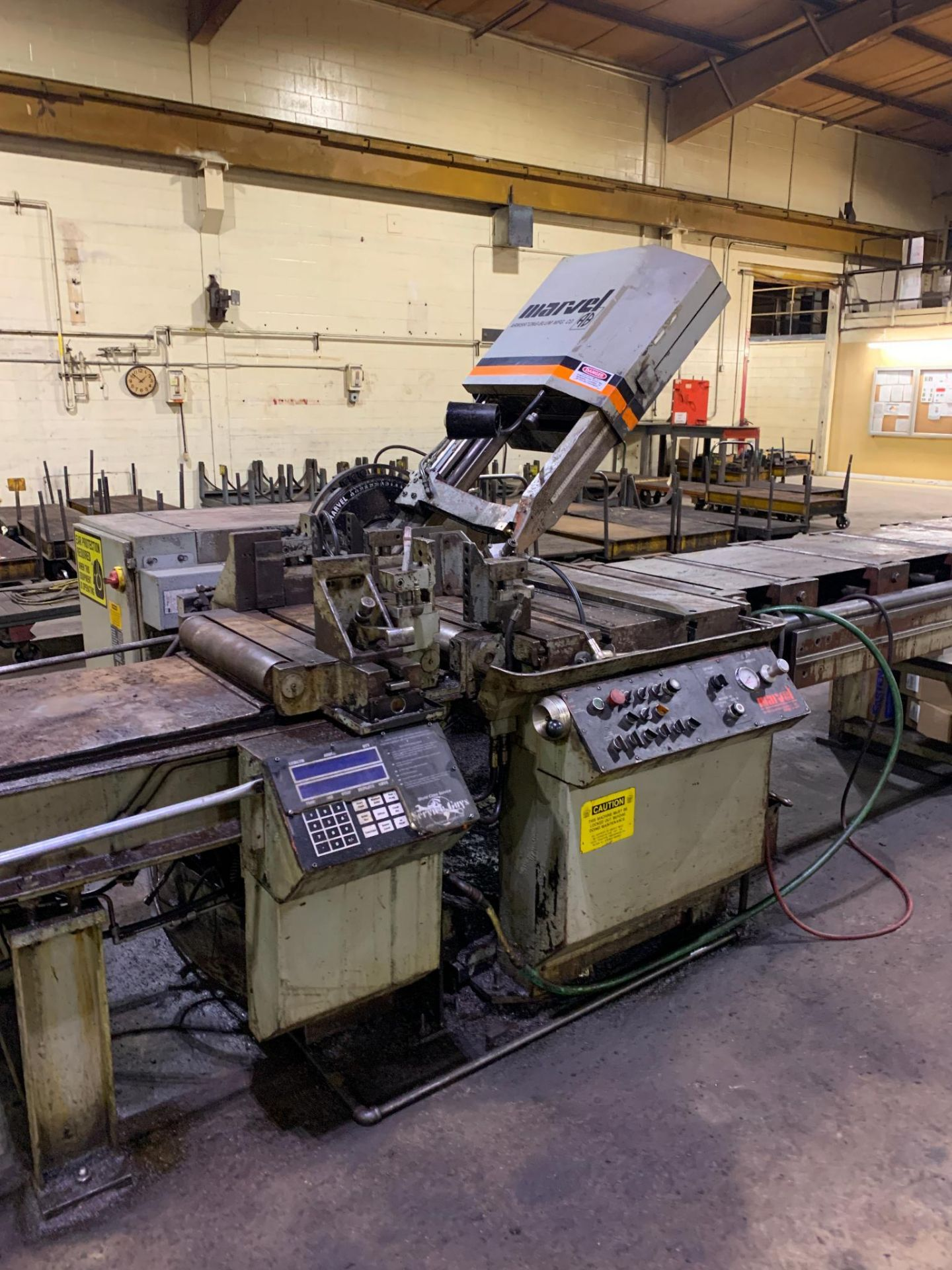 """Marvel Armstrong Blum Automatic Universal Band Saw Model 81A11PC Rated Capacity 18"""" x 20"""" Serial No. - Image 4 of 30"""