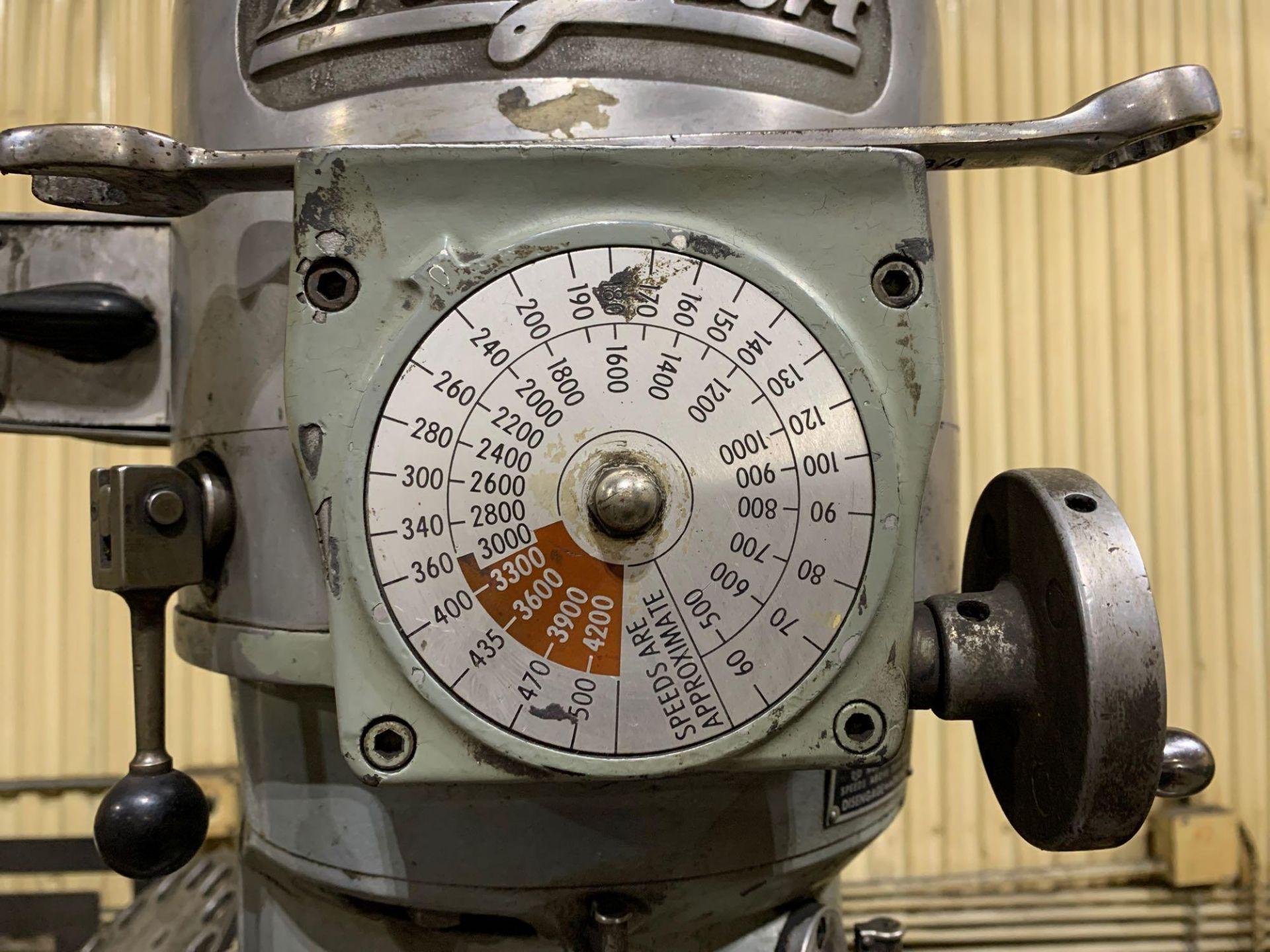 "Bridgeport 2J Vertical Milling Machine Variable Speed Head S/N 132833 CAPACITIES Table size: 9"" X 42 - Image 9 of 12"