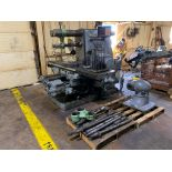 Kearney & Trecker 25HP-5CK Horizontal Mill Model 25HP-5CK Serial Number: 20-7150 With: Vertical Head