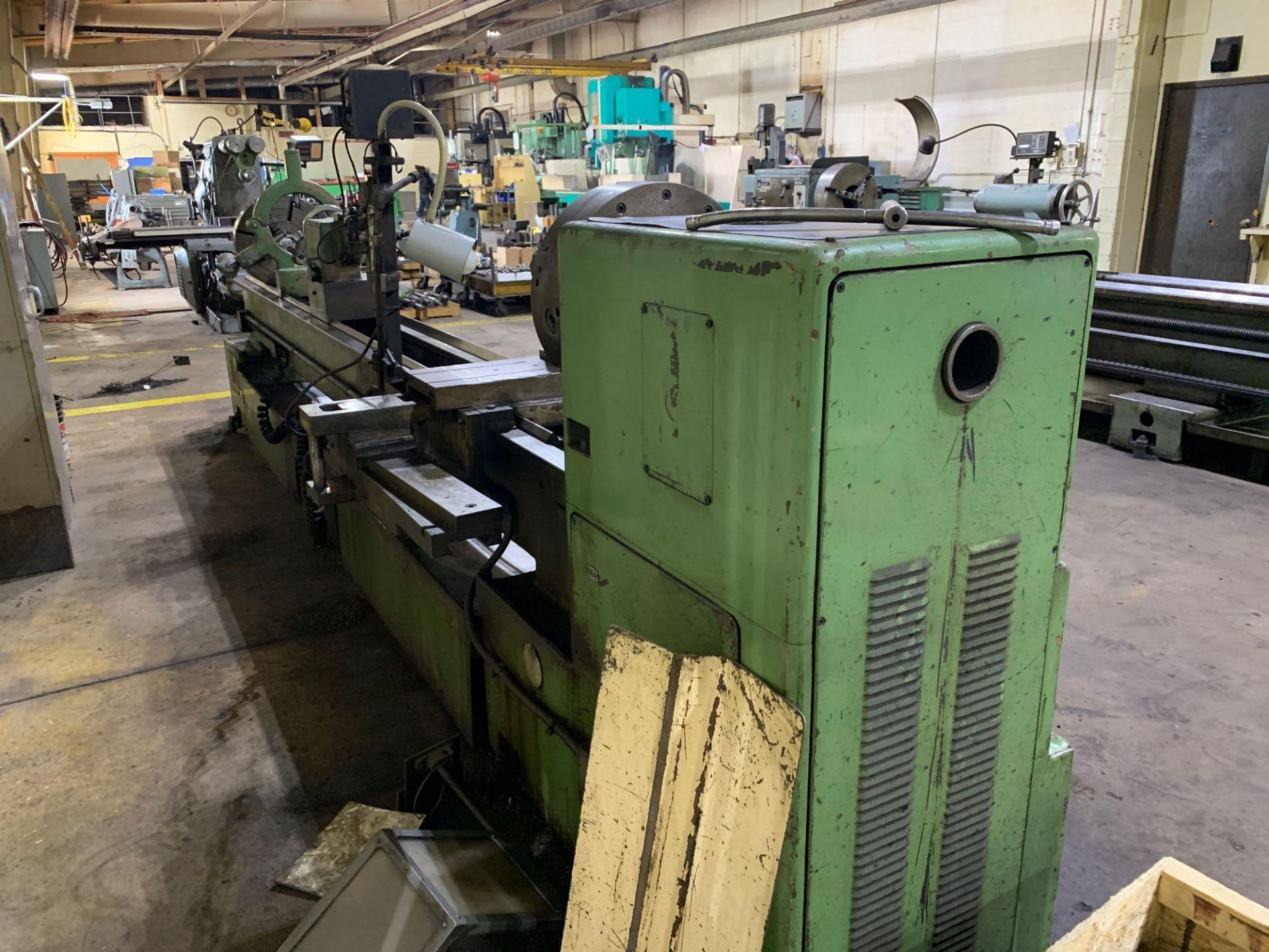 """Est Ticino Heavy Duty Gap Bed Engine Lathe Model: ETS-350 Serial Number: 1943 Rated Capacity: 27"""" x - Image 4 of 31"""