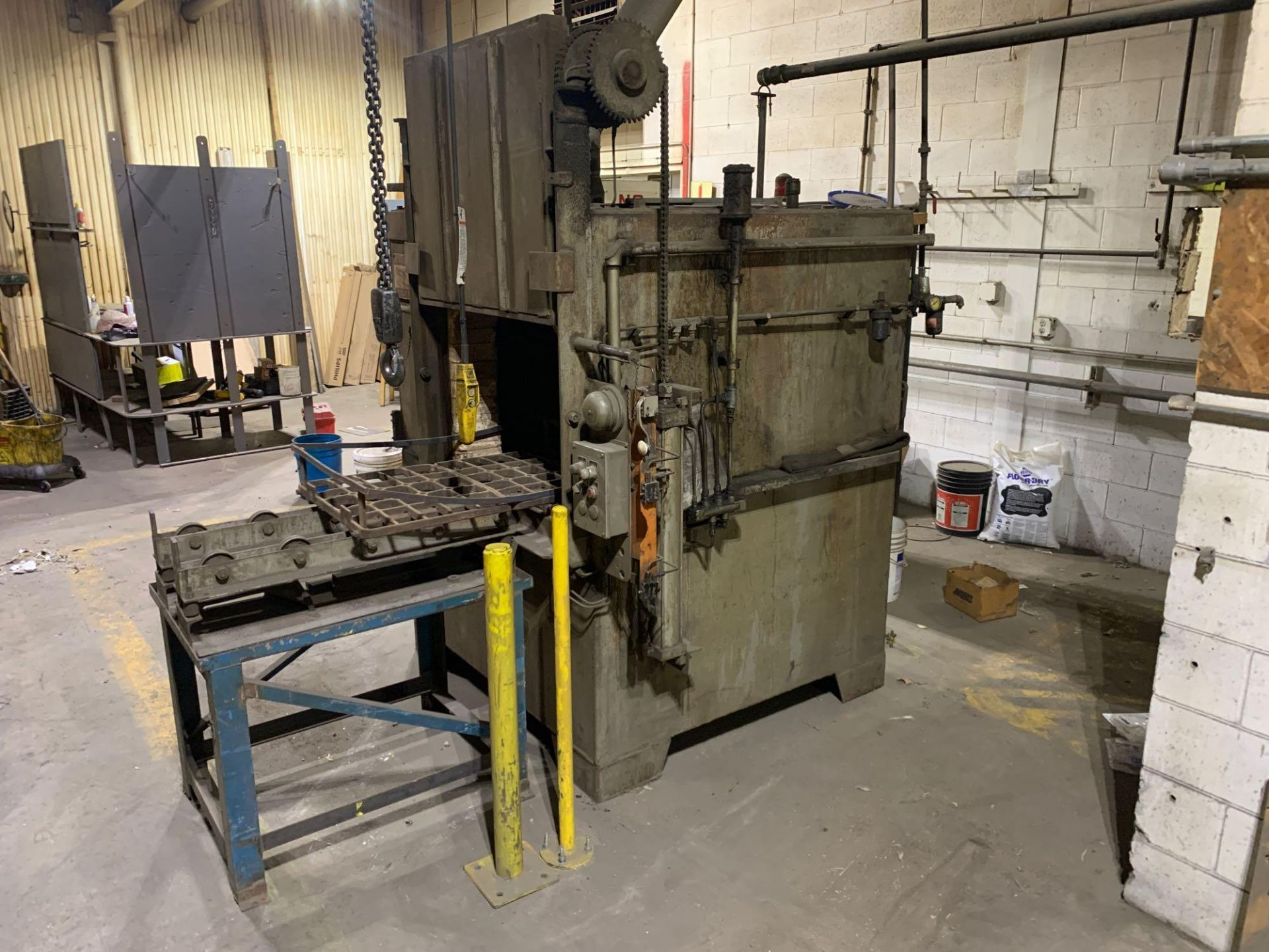 Dow Furnace Co. Electric Draw Furnace Seller States It Will Do At Least 1200 Degrees Model Bxe-24362 - Image 2 of 21