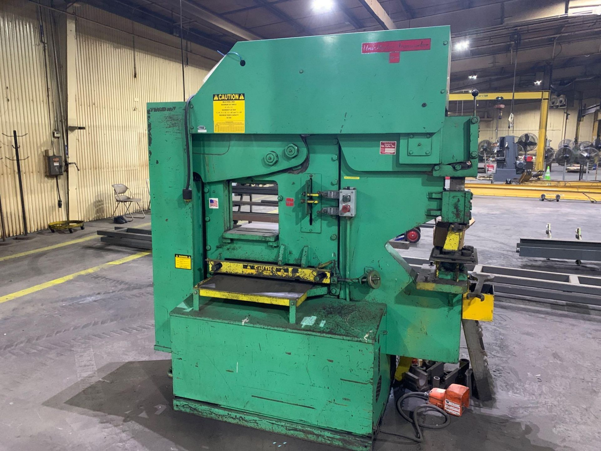 UNI-HYDRO 95-24 HYDRAULIC IRONWORKER Model: 95-24 Serial Number: 3P9560 Capacity: 95 Ton Punching Th - Image 2 of 18